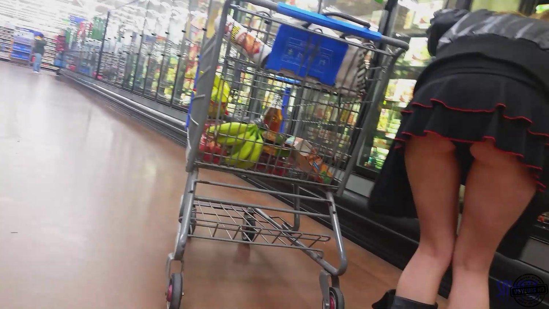 Upskirt en supermarkt 1