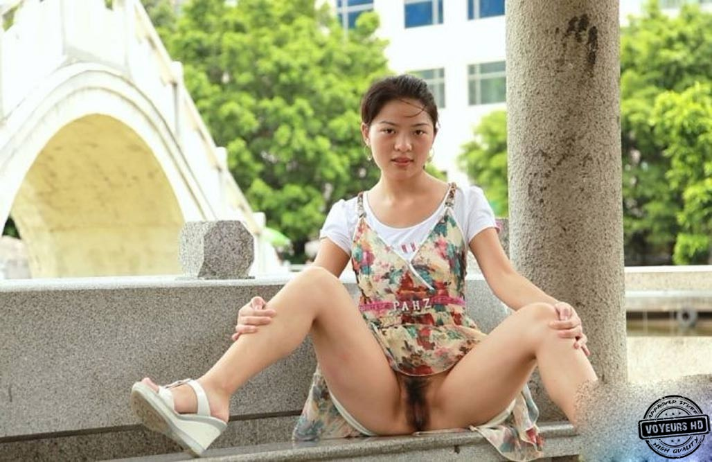 Pussy public in chinese flashing