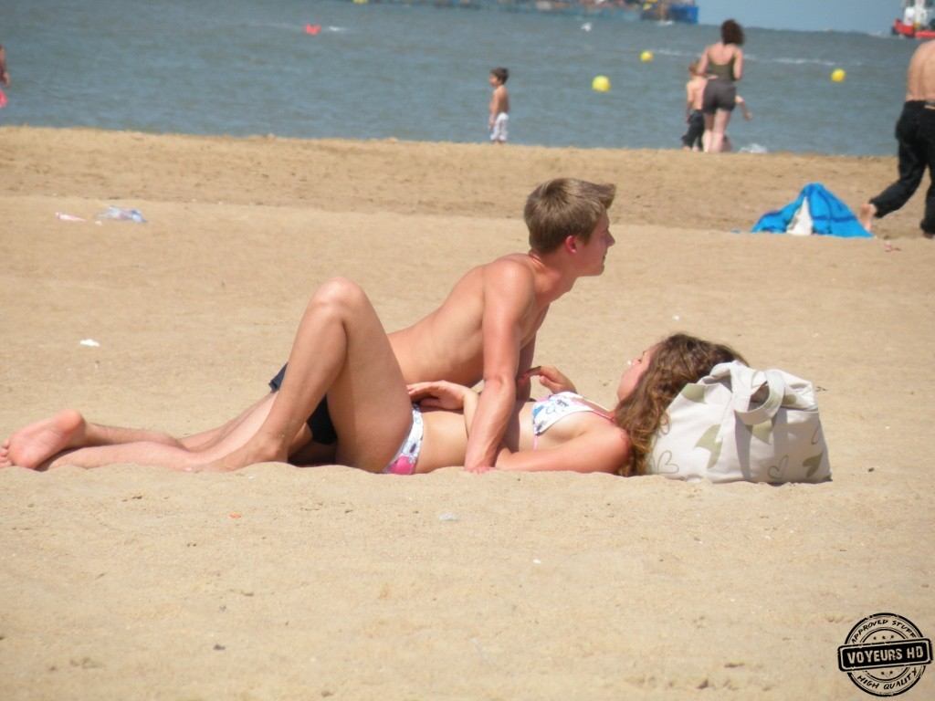 Fuck on nudist beach