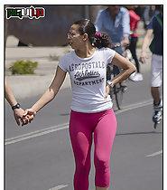 Sexy ass in pink leggins