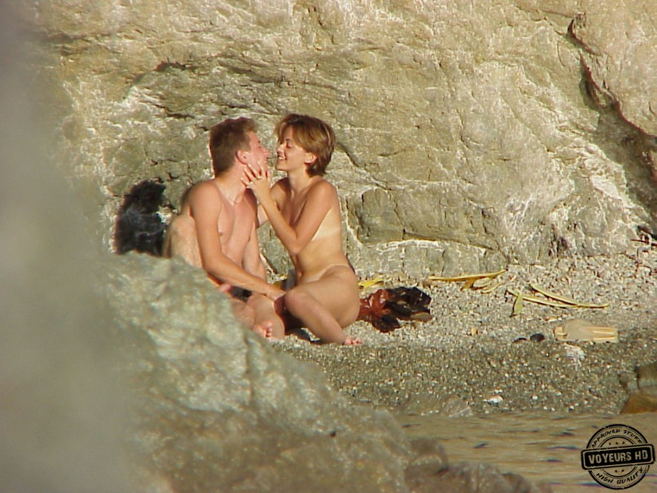 Voyeur beach fucking from behind 2