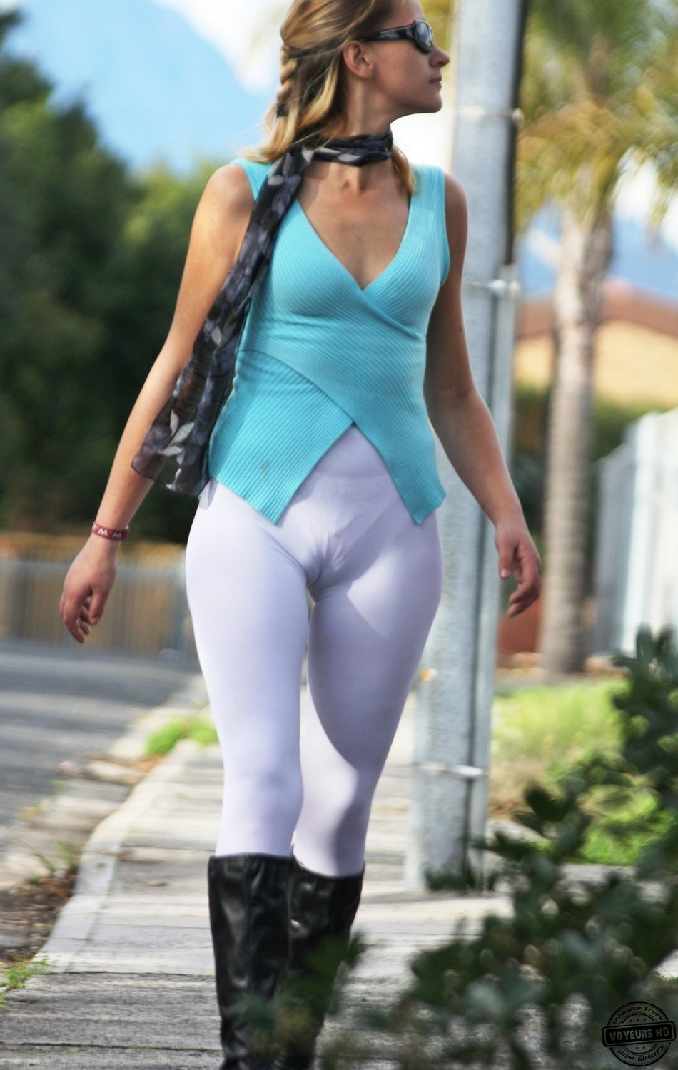 Ametuer mature camel toe my. Please