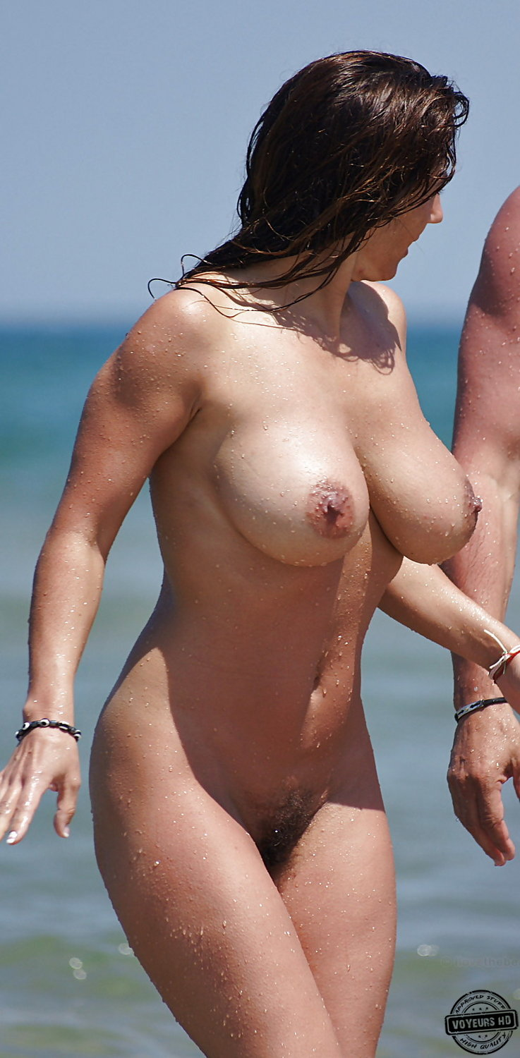 Milf With Big Tits At The Beach - Voyeur Videos-2322
