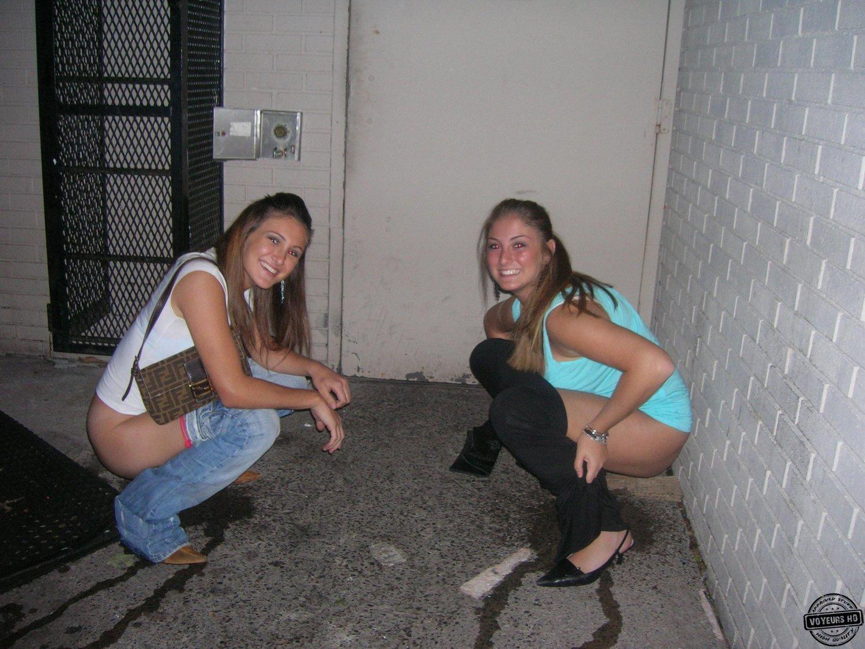Пьяные девушки писают 22 фотография