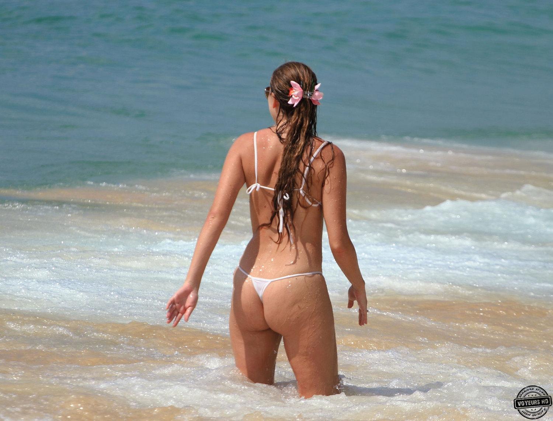 Babe beach boob