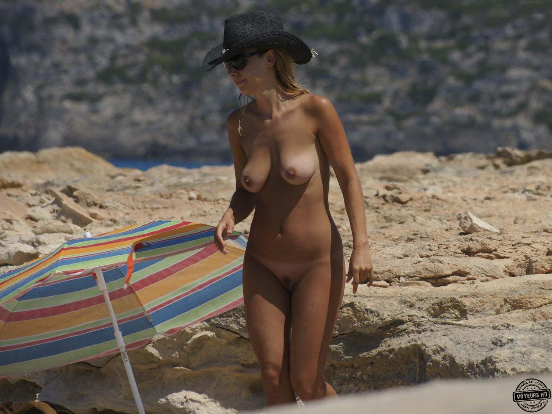 Amateur beach voyeur hd spycam nudist milfs 7