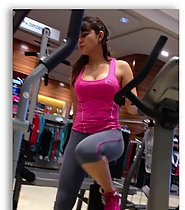 Fitness babe caught in shooping