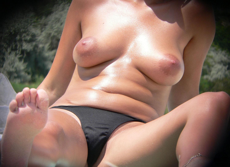 Tits Huge tits voyeur thats