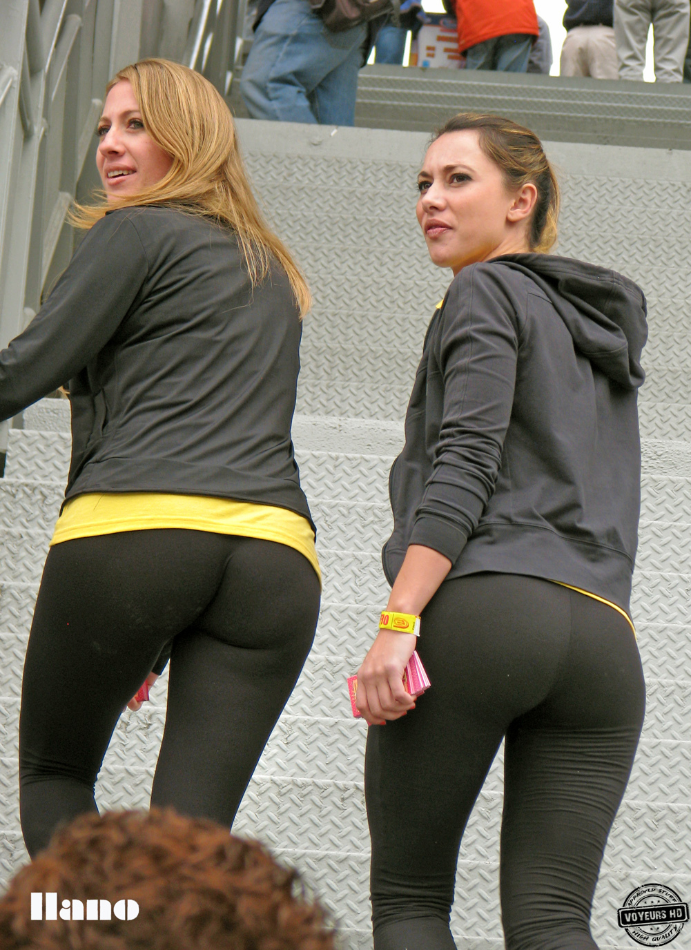 girl tight clothes in movie