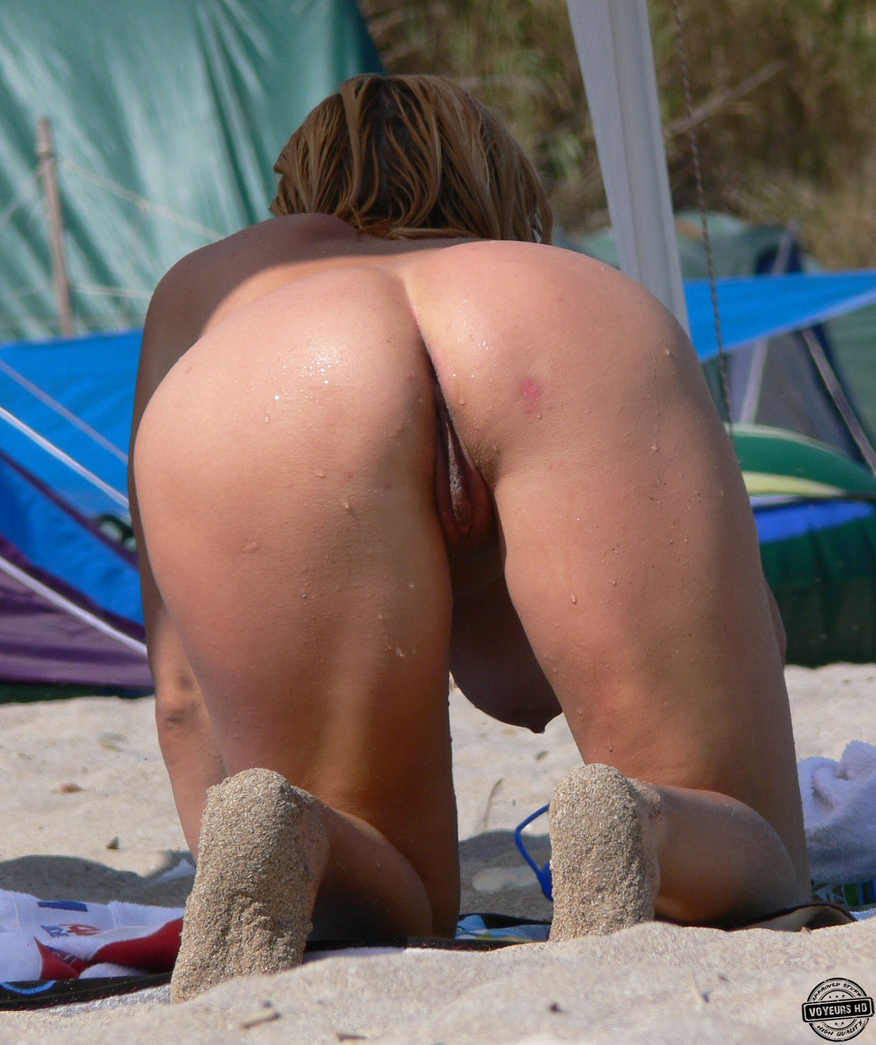 Beach Pussies - Voyeur Videos