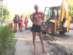 Nudity in front of construction workers