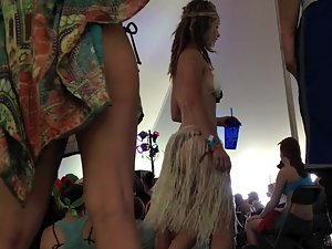 Hippie girl with awesome ass in a hulu skirt