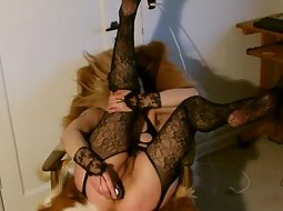 Kinky mature slut with dildos