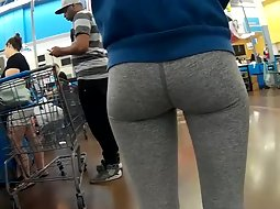 Incredible ass in sexy tights