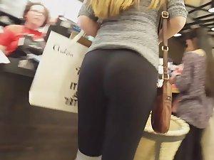 Ginger got seriously fine ass