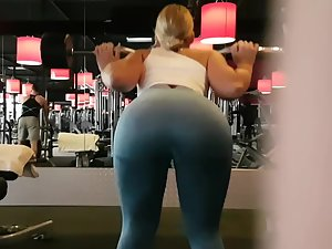 Spying on thick but fit ass in the gym