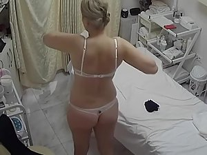Spying on rich milf getting a beauty treatment