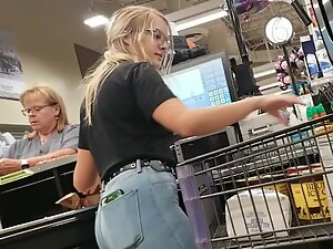Cute girl at a cash register got a ripe ass in jeans