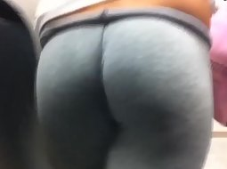 Amazing ass in the subway
