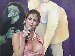 Tv hostess' nipple falls out