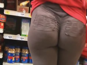 Ass cheeks clap together in tights