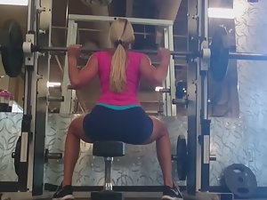 Gorgeous gluteus maximus in the gym