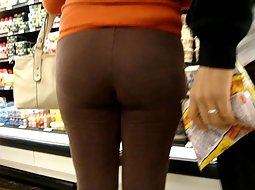 Tight pants in the supermarket