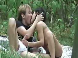 Voyeur stumbles on park sex