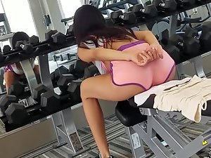 Peeping on fit girl's workout will give you a boner