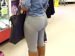 Huge ass in the store