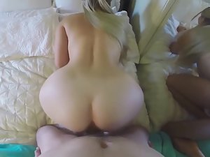 Girlfriend squirts and boyfriend cums inside her