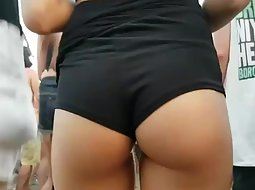 Dancing girl's hot ass on a party
