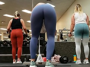 Ogling on hot thick butts in the gym