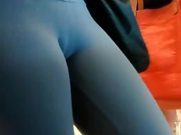 Yummy cameltoe in black tights