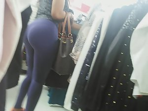 Epic bubble butt in clothes store