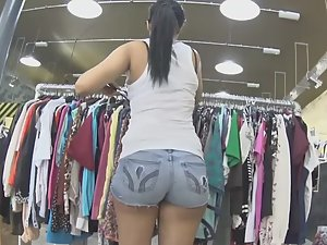 Big booty in clothing store