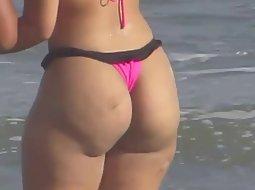 Big butt in a thong bikini