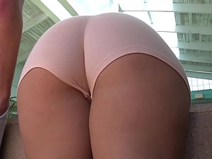 Epic big butt shakes like jello and bends over