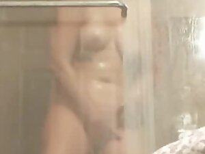 Peeping on thick sister dancing in shower