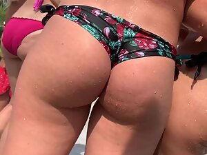 Hot wet butts in bikinis all over the place