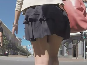 Wind breeze reveals milf's upskirt