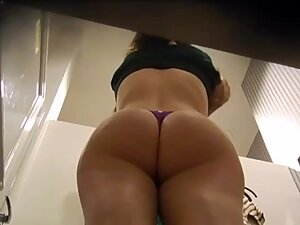 Certification of her thick bubble butt in a thong