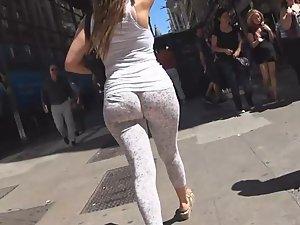 Big ass you can't stop looking