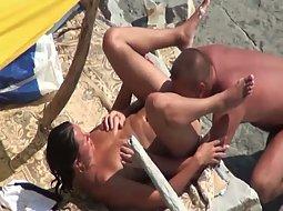 Nudist love to fuck on the beach