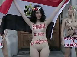Naked sharia protest girls