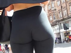 Stunning body and ass in tight black leggings