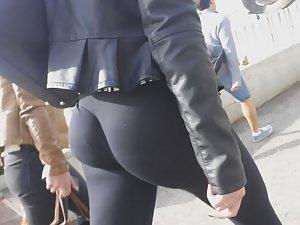 Tight ass got a mind of its own