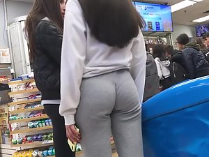 Brilliant ass with a wedgie in sweatpants