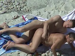 Chubby girlfriend fucked on the beach