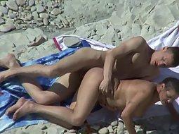 Chubby girlfriend fucked on the beach